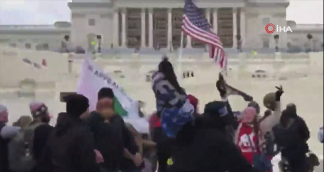 ABD'de Trump destekçilerinden Kongre binasını basma girişimi