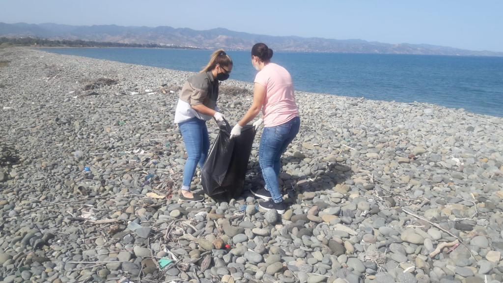 Esentepe sahil şeridi temizlendi