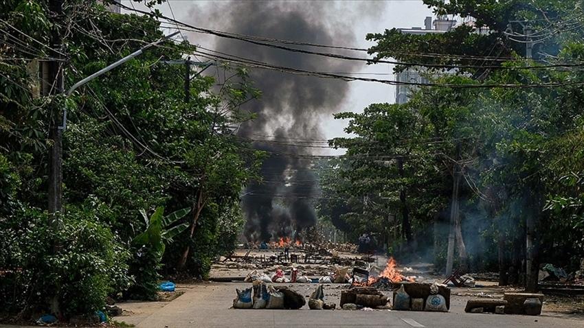 Myanmar'da sivil ölüm sayısı 745 oldu