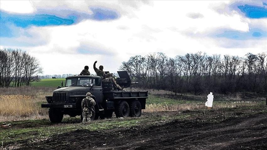 Donbas'ta Ukrayna askerlerine ateş açıldı