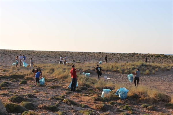 Lapta ve Karşıyaka'da çevre temizliği