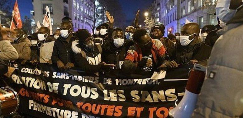 Fransa'da mülteciler için gösteri