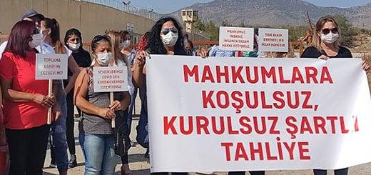 Mahkum yakınları cezaevi önünde eylem yaptı